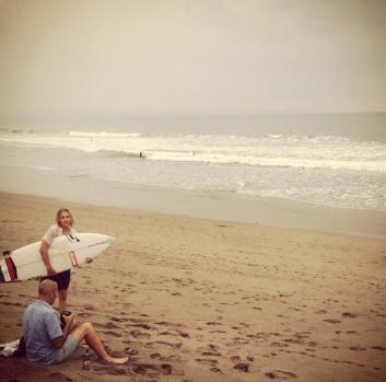 surfers in canggu (1)